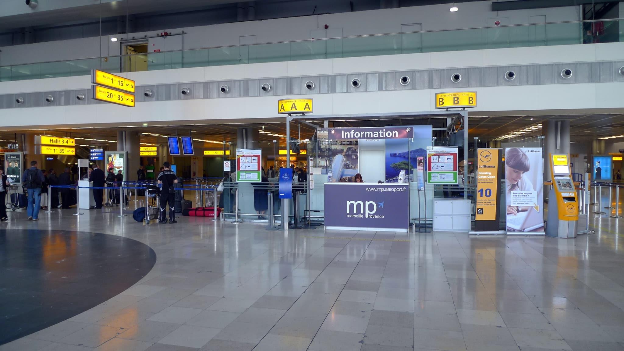 transfert entre Saint-Troppez et l'Aéroport de Marseille Bouches-du-Rhône