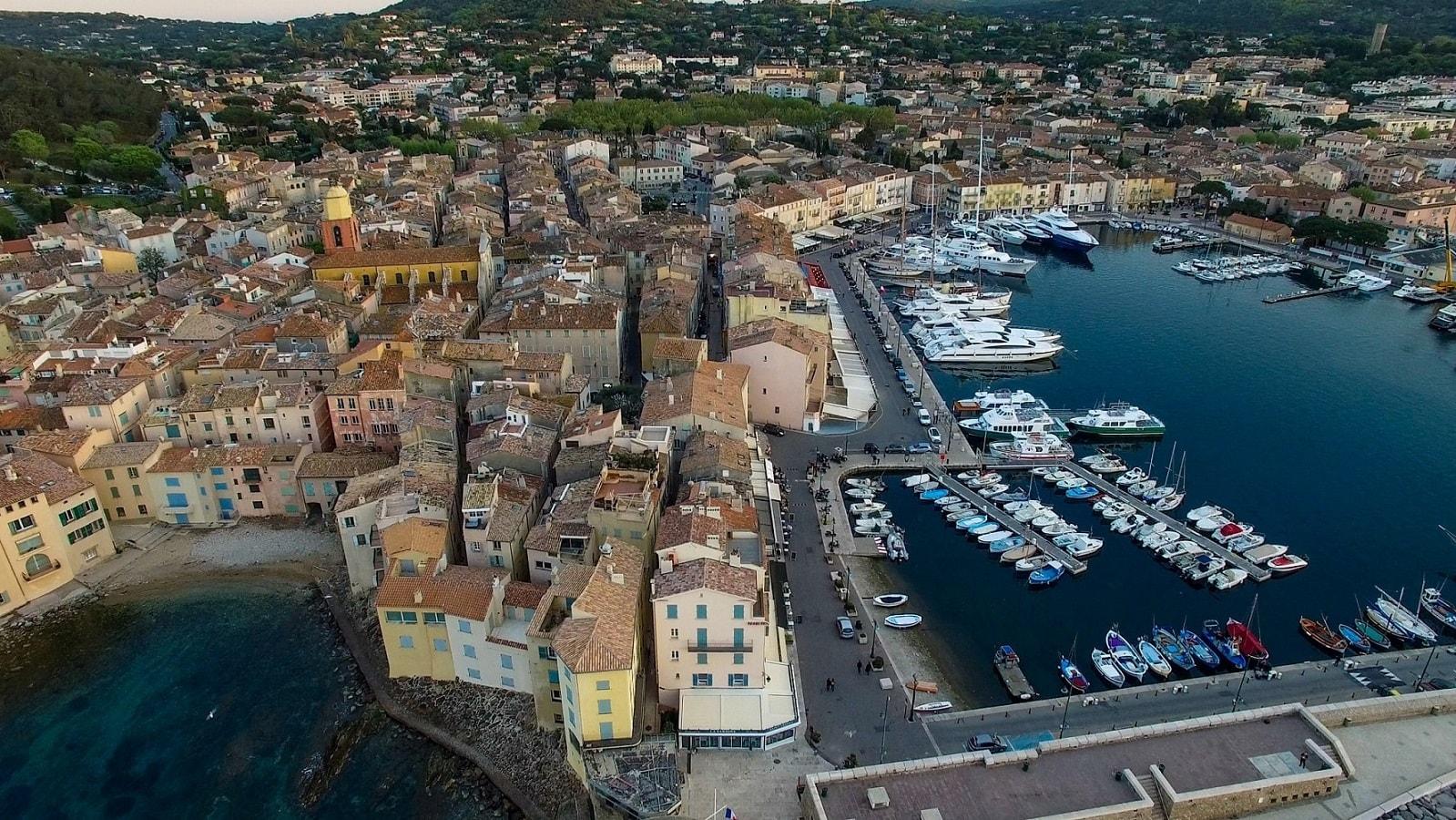Chauffeur privé VTC Saint-Tropez var Nicemediterranée toulonhyeres marseillemarignane-min